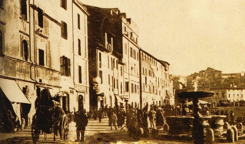 1891 via portico d'ottavia ex piazza giudia before Palace of Felice Veneziani school